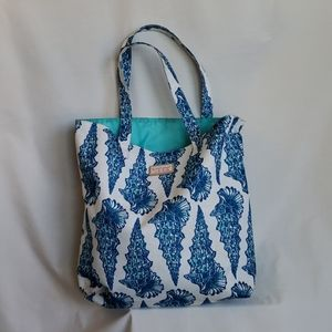 Lilly Pulitzer for Estee Lauder Canvas Beach (Blue